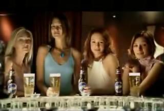 Special pub : bière et filles !