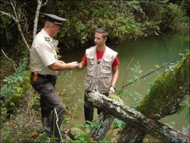 La joke du pêcheur et du garde-pêche